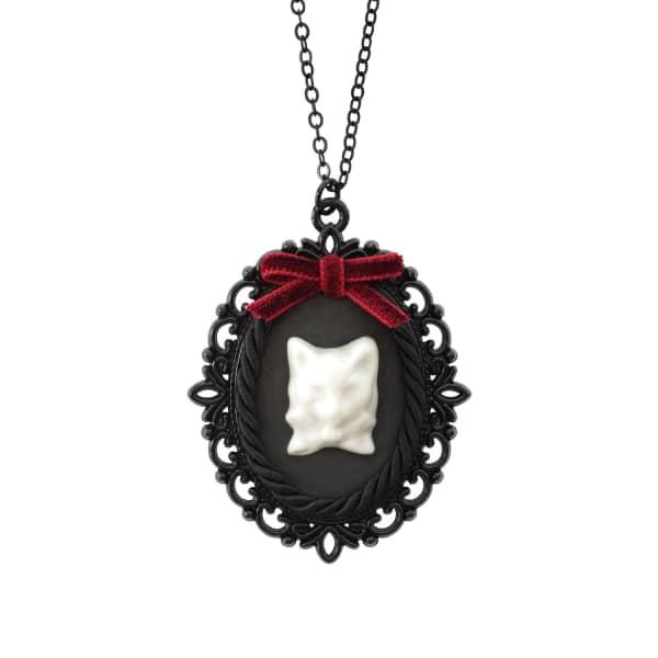 POPORCELAIN Dark Romance Porcelain Cat Cameo Necklace