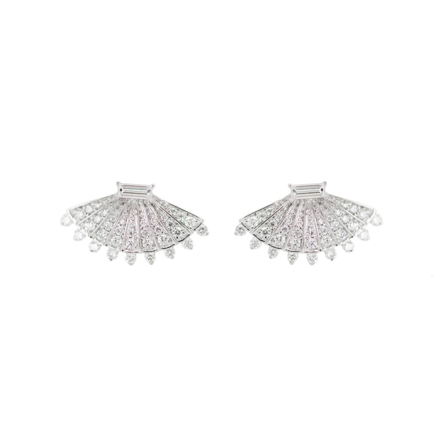 thoughtful engineered crown high prong a diamond uncomplicated elegant diamonds accentuated ceiling beautiful on string by classic product of perfectly single each an rounded polish and
