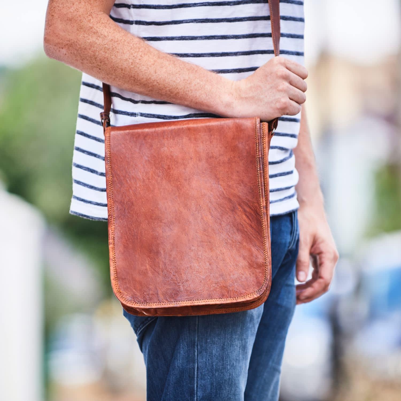f99495f22 Vida Vintage Leather Messenger Day Bag | VIDA VIDA | Wolf & Badger