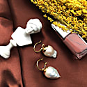 Simple Barouqe Pearl Earrings image