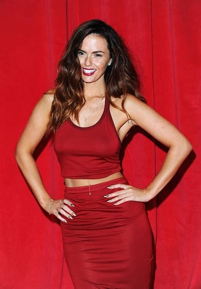 Jennifer-Metcalfe-at-2014-British-Soap-Awards--03