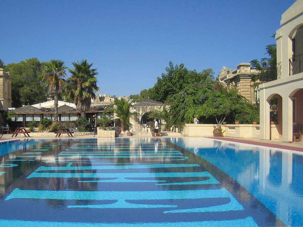 SprachCaffe malta pool