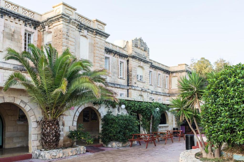 malta school language sprachcaffe building