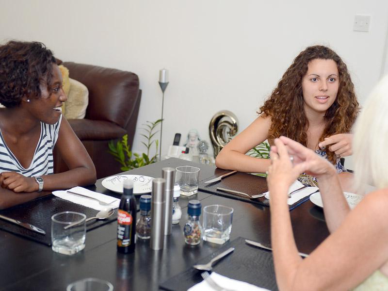 maltalingua school host familiy dinner table