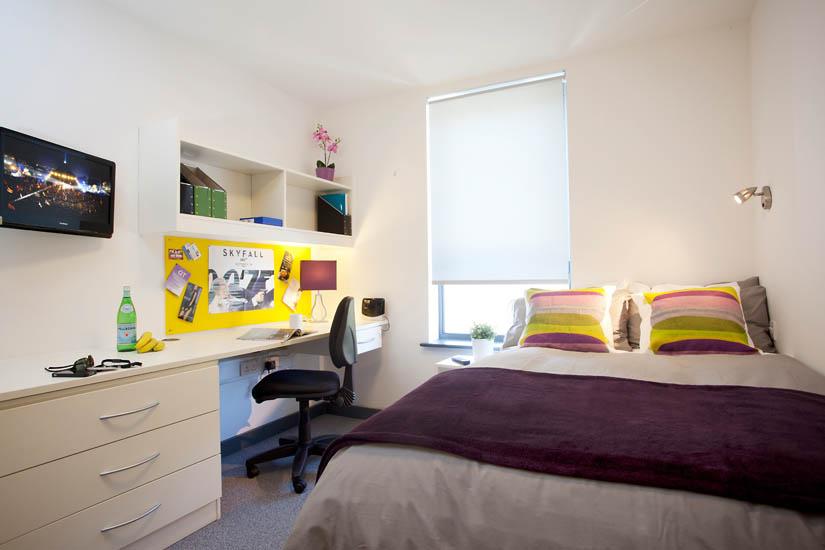 Fulham Palace Studios London bedroom