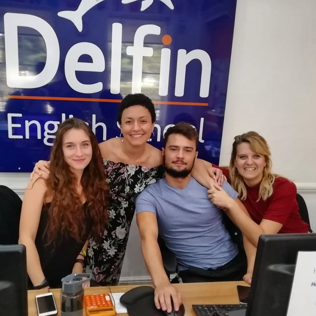 delfin school ecole students