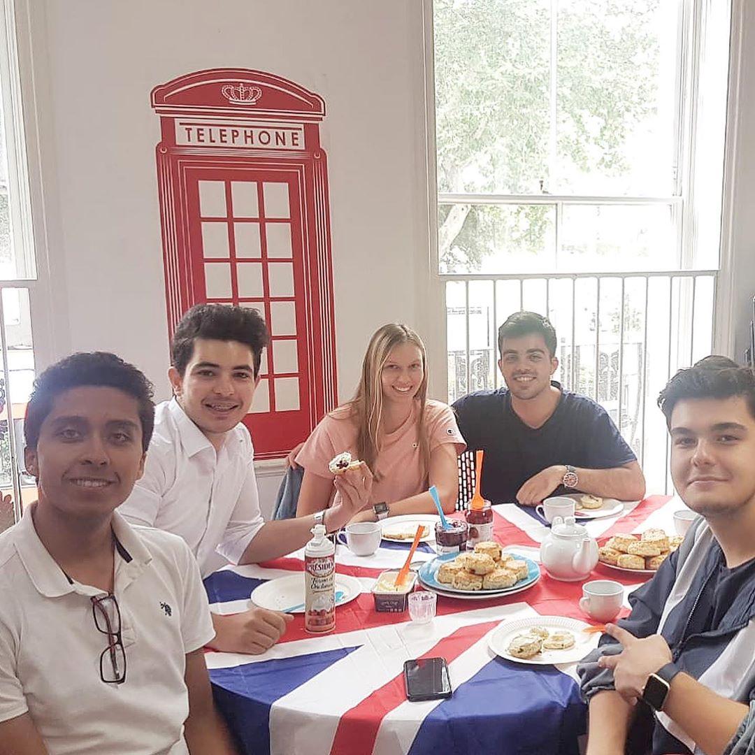 delfin english school lunch