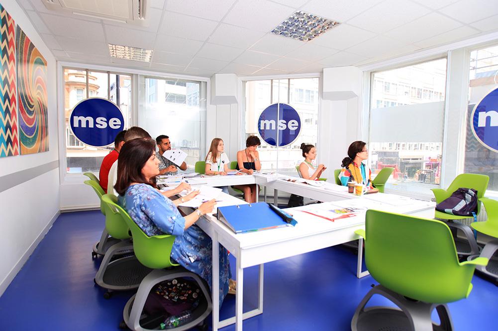 classroom mayfair english school london