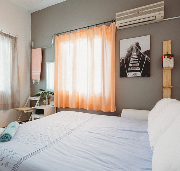 languageonschools miami beach homestay bedroom