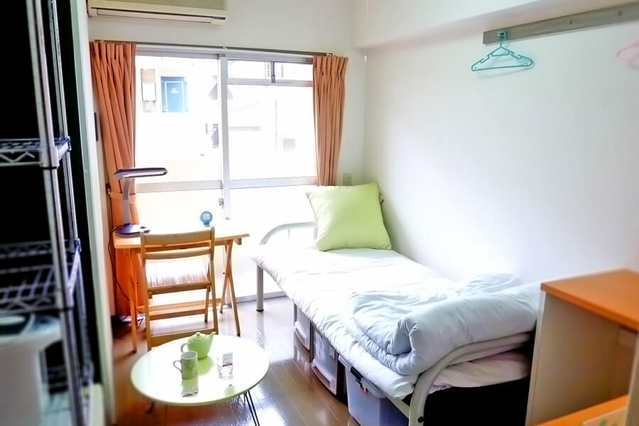 student private bedroom tokyo