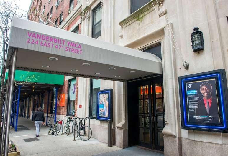 residence new york ymca vanderbilt entrence