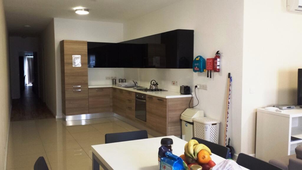 suite appartment malta am language