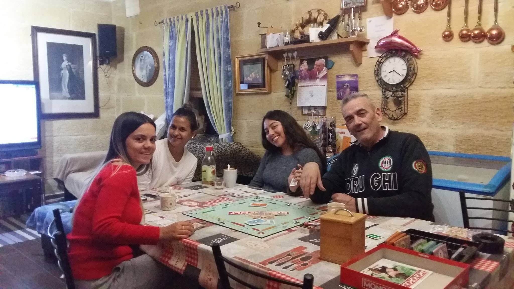 host familly malta playing games