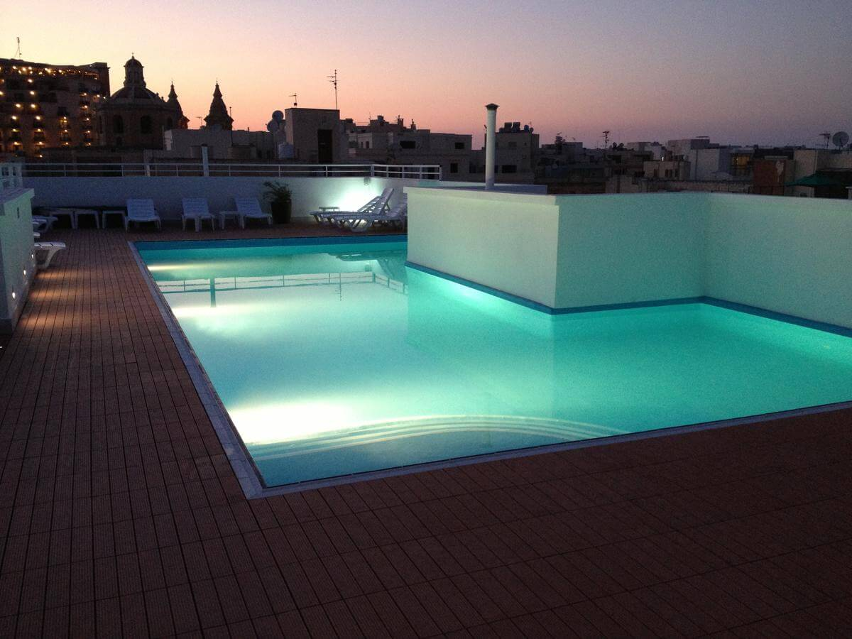 days in hotel residence malta swiming pool