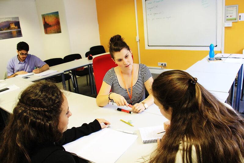 live language glasgow coffee classroom salle de classe
