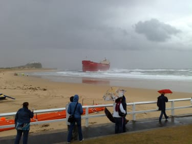 Pasha Bulker run aground near Newcastle