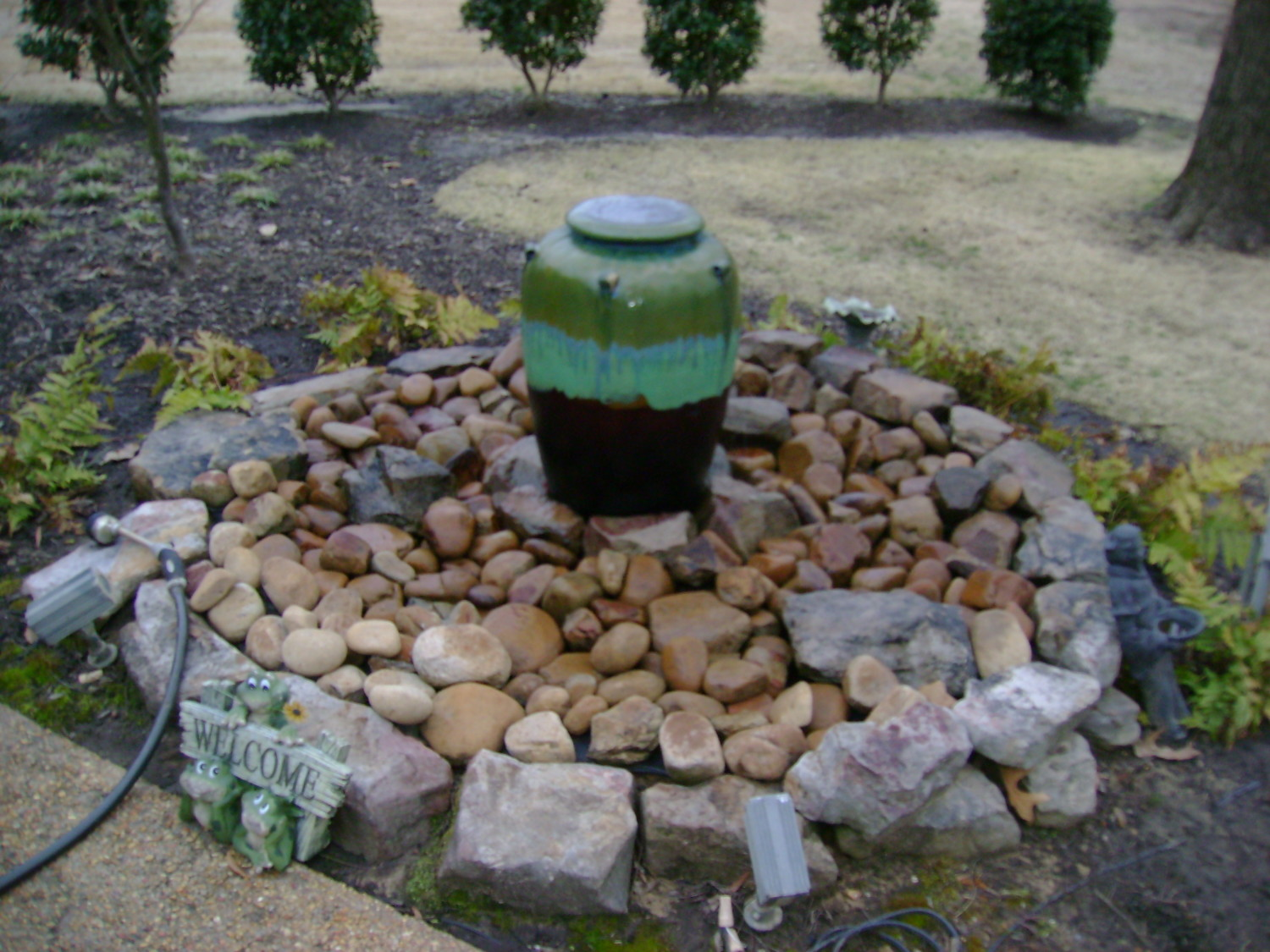 Small water features for yards house of fishery lovers for Small water features