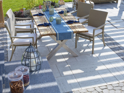 The ultimate outdoor living table setting