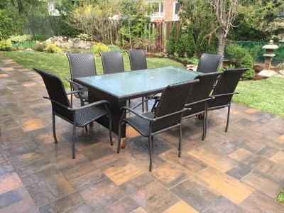 Seating for eight on the patio