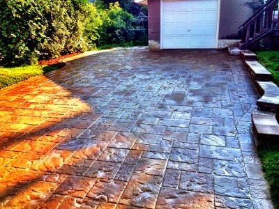Finding the right hardscape materials for your driveway from Tech-Bloc creates that welcoming feeling  when you arrive home.