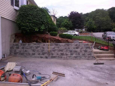 Completed - Stone retaining wall (Woburn, MA)