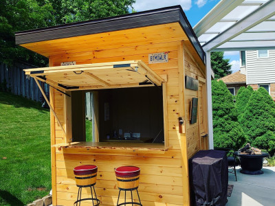 A great backyard addition, a bar!