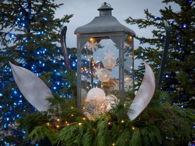 Urns & Wreaths