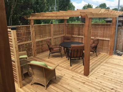 Custom Decks & Pergolas