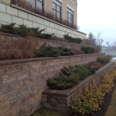 Big or small Lakeridge Contracting has your retaining wall needs covered!
