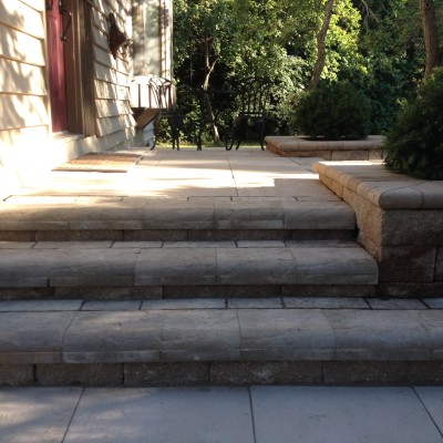 Segmental retaining walls make great stairs