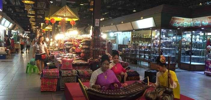 ¿Qué comprar en el bazar nocturno de Chiang Mai?