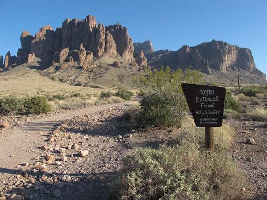 Con cara de tonto por los monumentos nacionales de Arizona