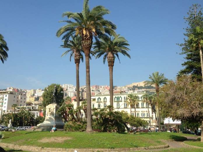 Nápoles: Información básica