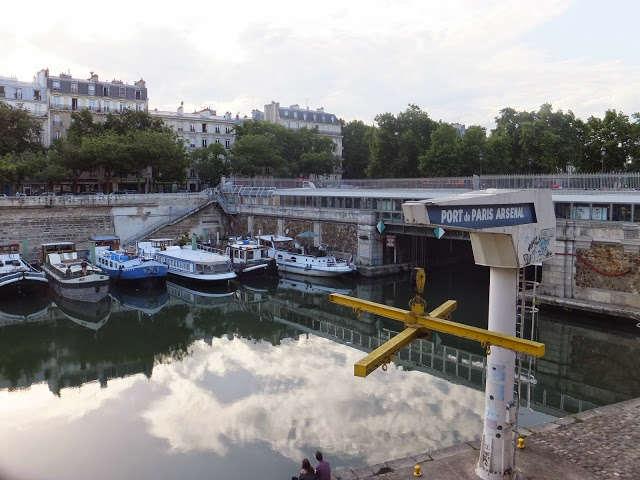 El Puerto del Arsenal. París en verano, justo a la caída del sol