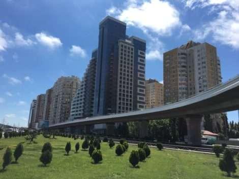 Mucho por fuera, poco por dentro en Baku