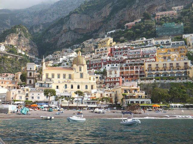 Navegación desde Praiano hacia Positano y Capri, un recorrido mágico!