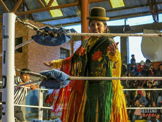 Cholitas luchadoras: el mayor espectáculo de La Paz