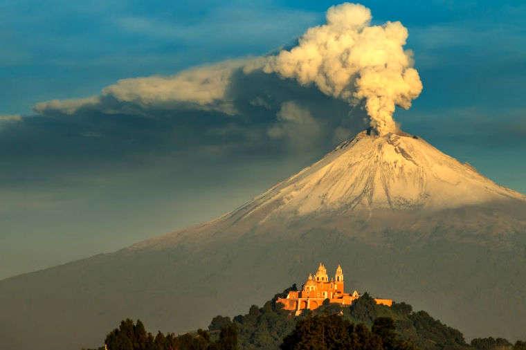 Puebla y Cholula, iglesias y pirámides gigantes