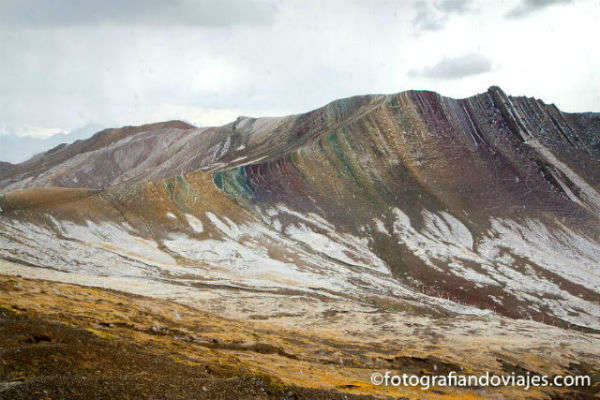 La montaña del arco iris o el Cerro colorado, cerca de Cuzco