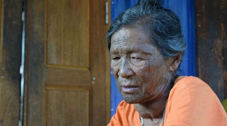 Mindat y las mujeres de rostro tatuado