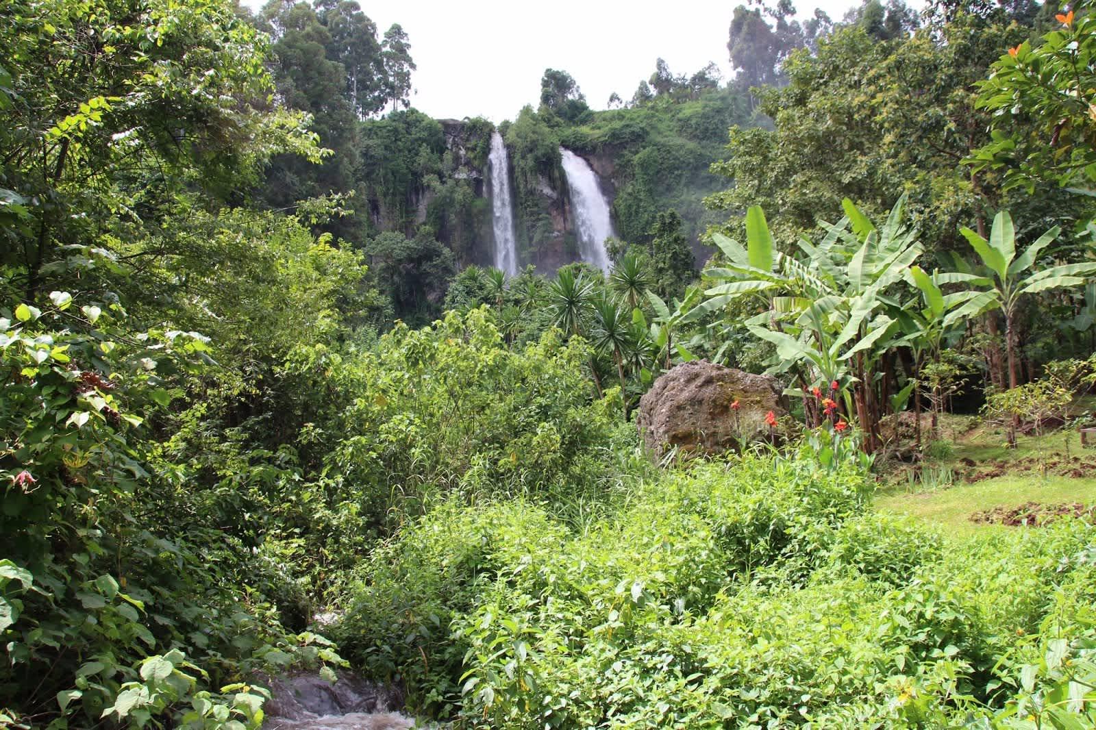 Regreso al pasado en las Sipi Falls