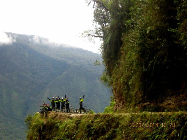 La carretera de la muerte, aventura boliviana