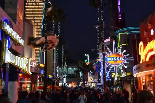 "Parques ""NO"" Disney en LA: Universal Studios Hollywood, Six Flags Magic Mountain y Knott Berry Farm"