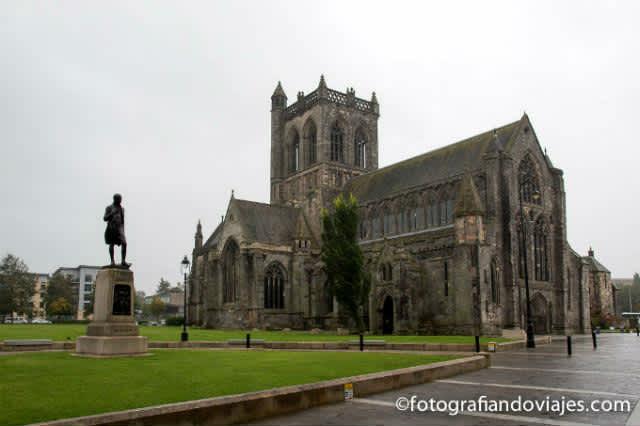 Qué ver en Glasgow y alrededores (lago Lomond, Paisley y Newark)