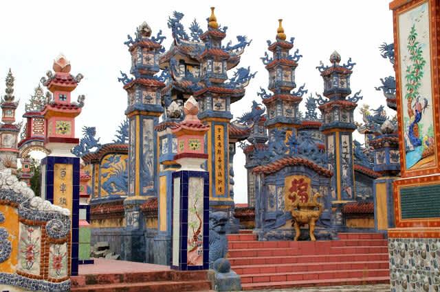 La laguna de Tiam Giang y la Ciudad de los Muertos (Vietnam)