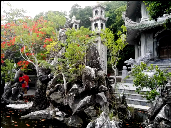 Da Nang, playas y montañas de mármol en Vietnam