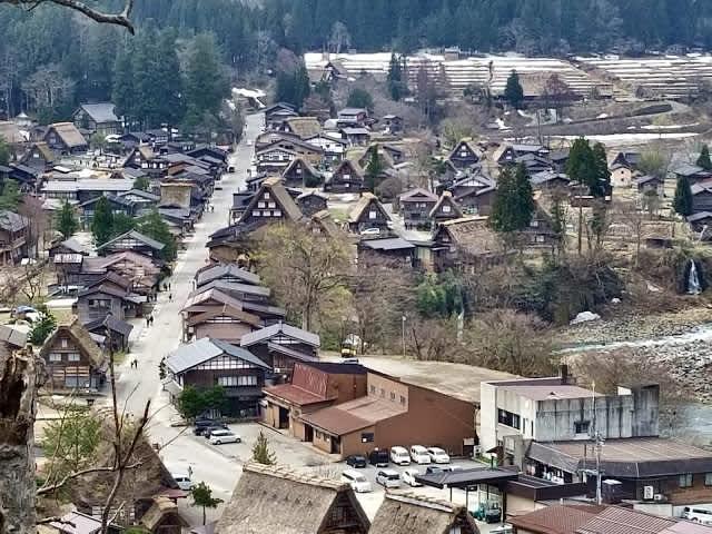 Una tarde en la encantadora aldea de Shirakawa-go