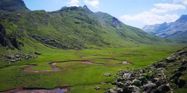 De ruta por el Valle de Hecho: barranquismo, la Selva de Oza y Aguas Tuertas
