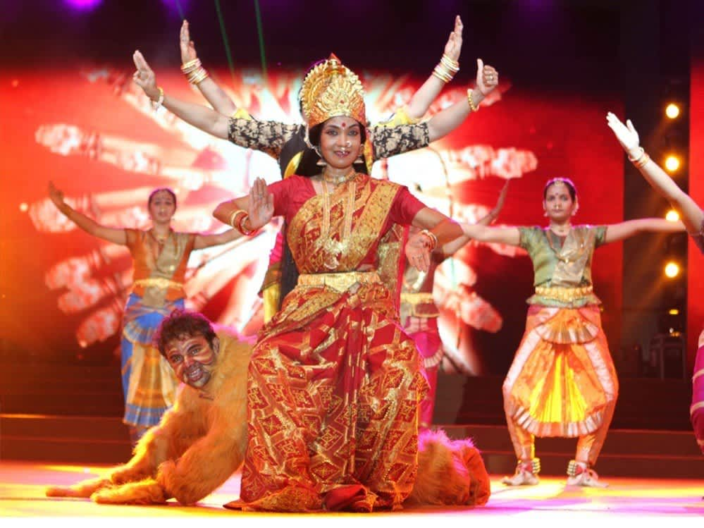 El colorido festival hindú Navratri en India