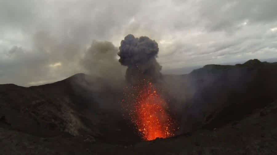 Tanna, islas Vanuatu, y su volcán Monte Yasur